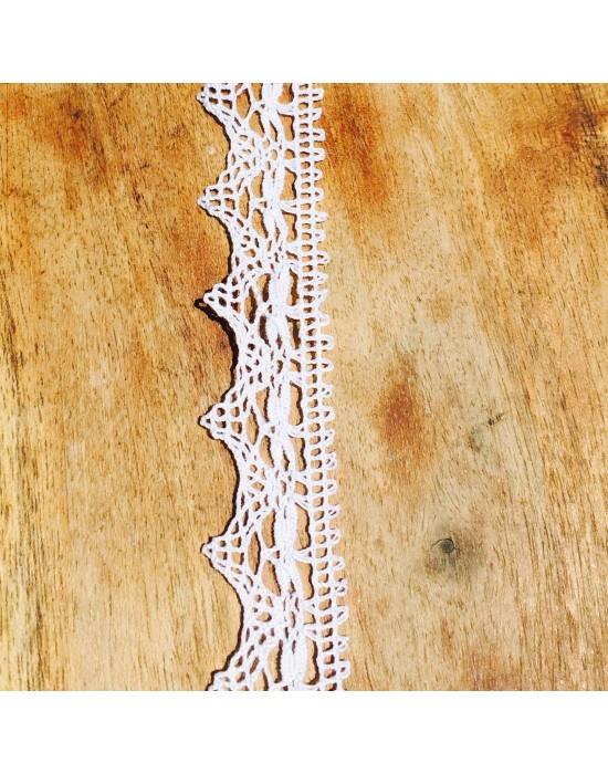 Puntilla bolillos blanca -10 x 2,4 cm