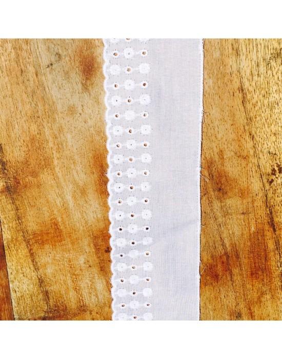 Puntilla bordada blanca -10 x 4 cm