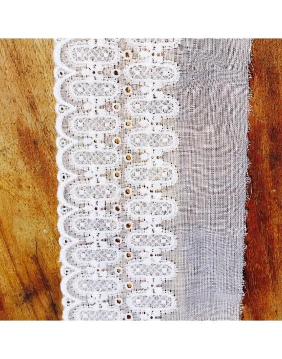 Puntilla bordada -10 x 7 cm