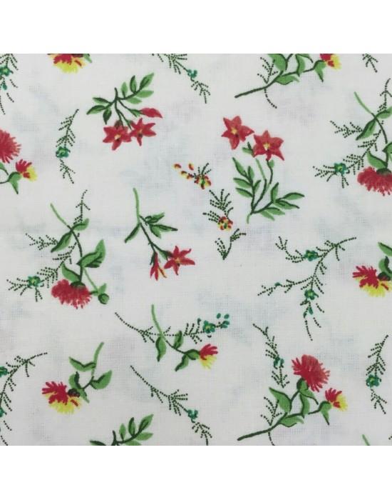 Tela patchwork blanca flores rojas verdes y amarillas
