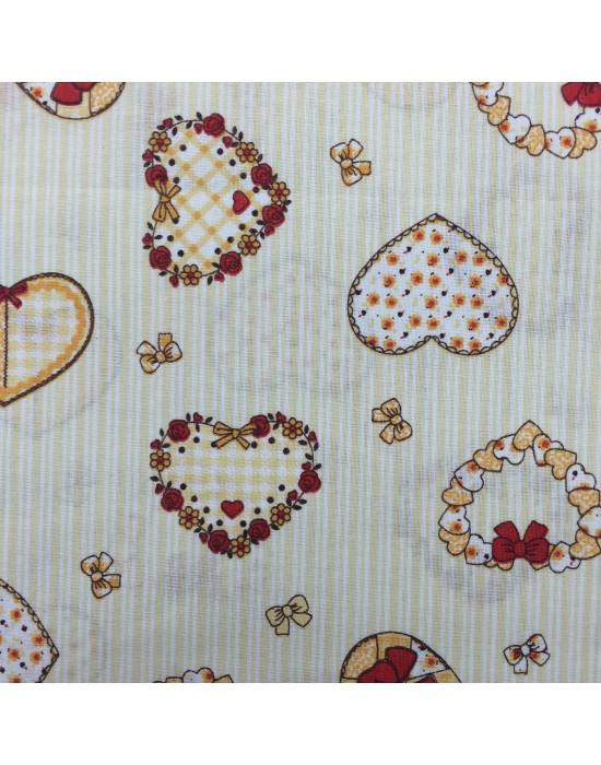 Tela corazones sobre fondo amarillo con rayitas blancas - 10 x 150 cm